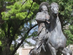 Disturbed horseman adds to downtown's charm/Ryn Gargulinski