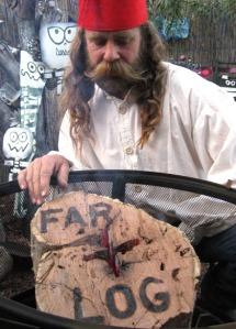 Andrew Farley with his Far-log/Ryn Gargulinski