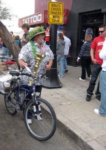 Proper sidewalk etiquette puts bikes in the street/Ryn Gargulinski